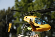 Yellow Esky Honey Bee IV #4 Radio Remote Controlled Electric RC Helicopter RTF