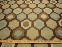 r8932, 3.75 yd Geometric Formal Upholstery