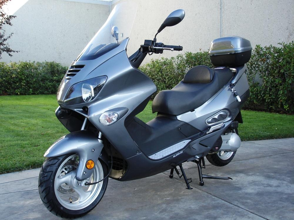 250cc water cooling deluxe street legal moped scooter with trunk windshield mc sl22a. Black Bedroom Furniture Sets. Home Design Ideas