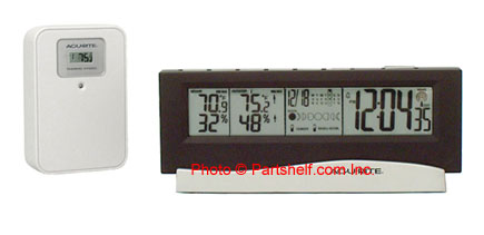 Acu-Rite 00972 Wireless Indoor/Outdoor Thermometer, Atomic Clock