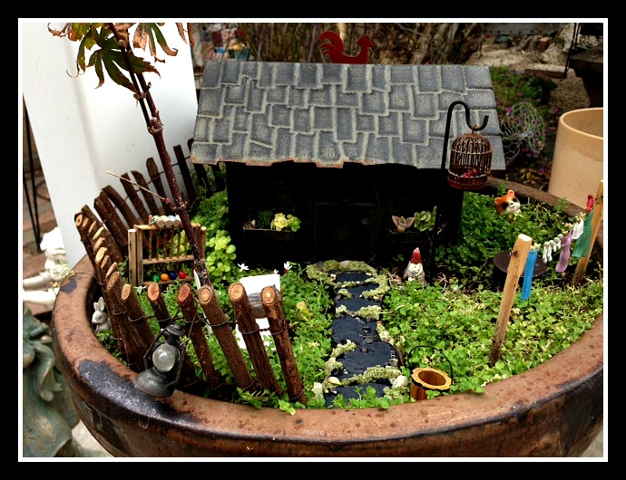 Gnome's House with Post Fence & Adorable Fairies' Laundry Line
