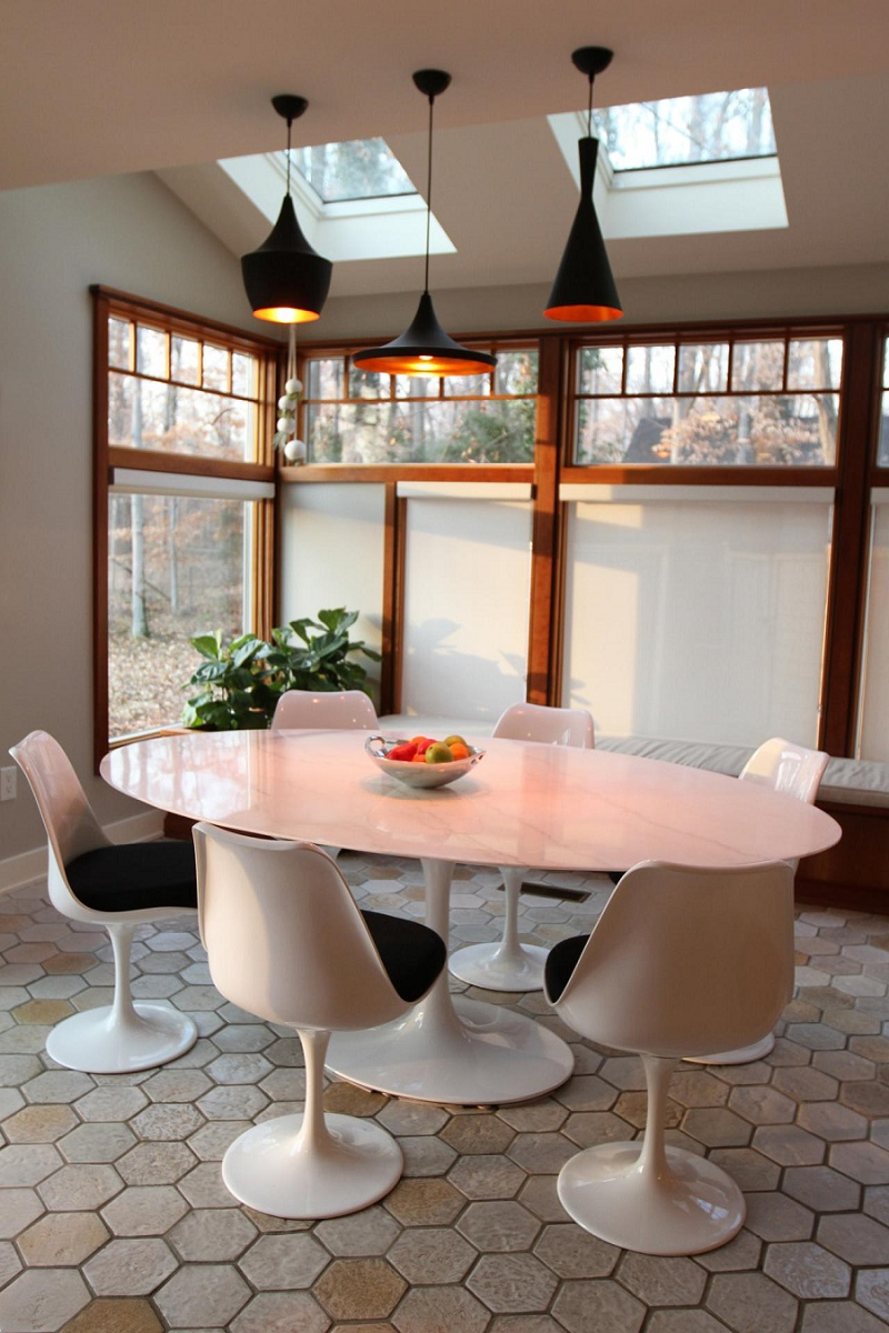5 Reasons Why You Should Own The Tulip Table Replica