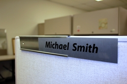 cubicle-nameplates-changeable