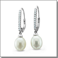 diamond and pearl earrings at My Love Wedding Ring